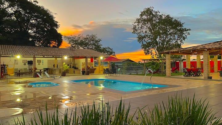 Chácara c/ piscina, quadra quiosque em Divinópolis