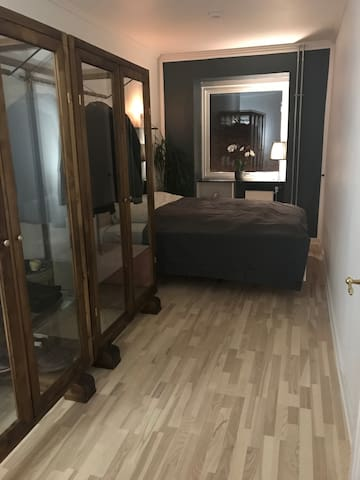 13m2. newly furnished/renovated room in large flat - Copenhague - Apartamento