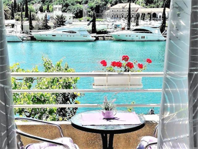 Apartment Anka 2+2 -Sea View &  Free Parking