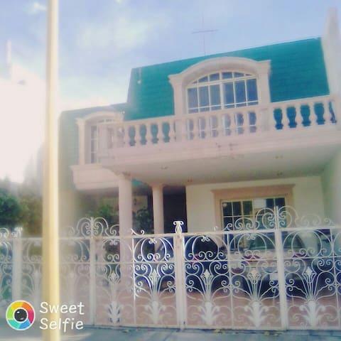 Casa cerca de la FERIA NACIONAL DE SAN MARCOS