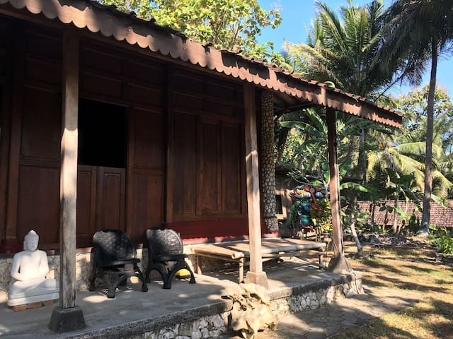 OPAK House: On the hillside of Parangtritis Beach