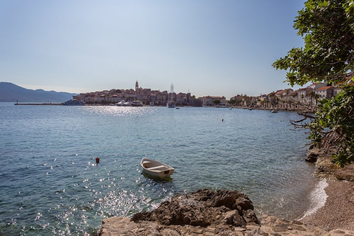 KORCULA WATERFRONT HOLIDAY HOME beach+3beds+2baths