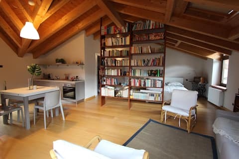 Holiday House 'Lo Spirito Del Monte' Attic