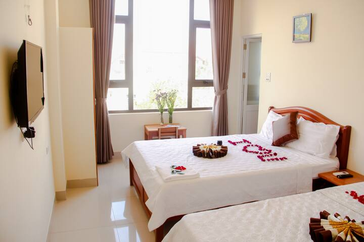Comfy and Bright room 1mins to MyKhe Beach by walk