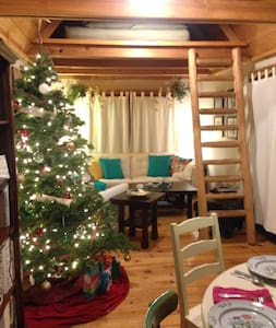 Adorable North Lake Cottage Close to Ski Slopes! - Carnelian Bay