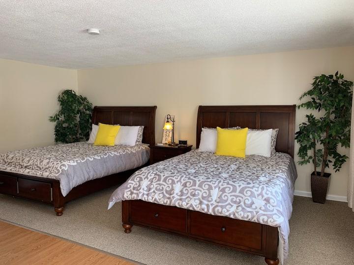 NEW! Shore Road Inn Room 9- Non-Pet Room