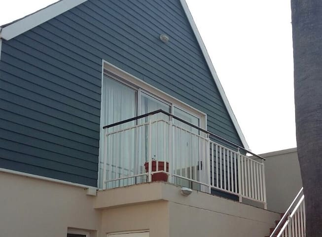 Knysna  Quays, Waterfront - top location, security