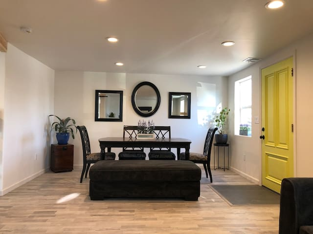 Home Under The Dome- Close to DTLV/LVCC/The Strip