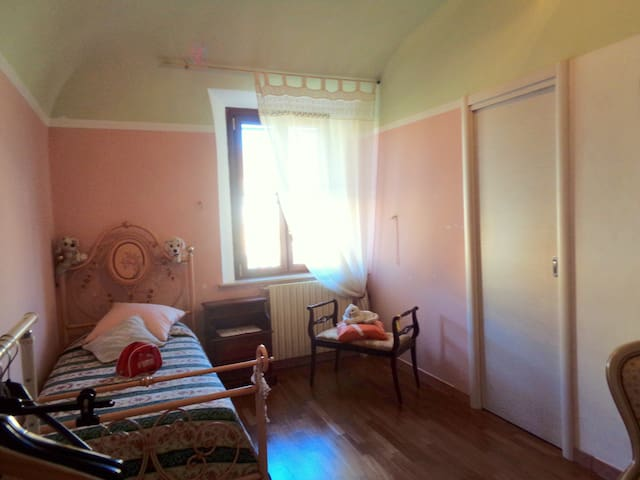 "Delicious single room ""the gem"" - Cascina - Adosado"