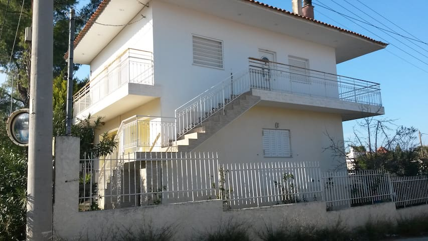 Excellent house in Diles, 5 min from the beach.