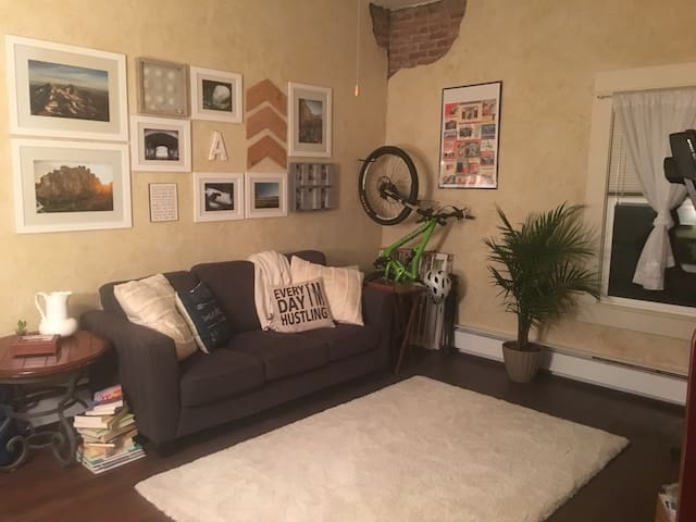 Downtown Redmond Apartment. Home away from home.