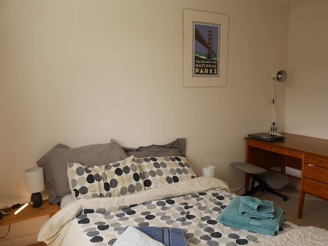 Double room with country views - Lewes - Dům