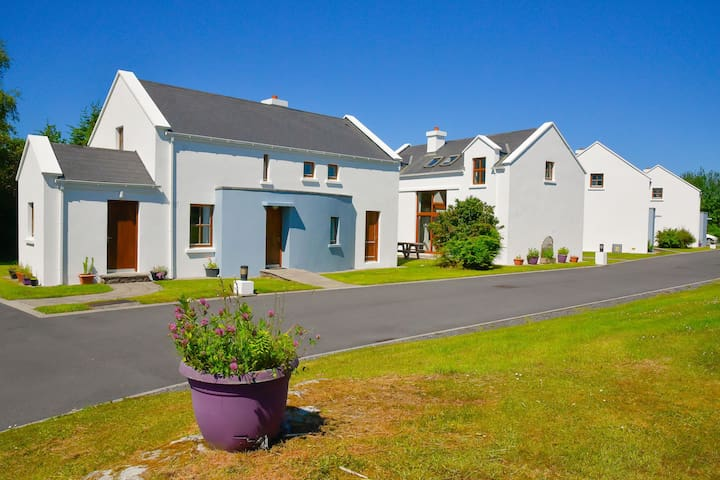 Achill Cottages no.1 - Achill Island - Casa