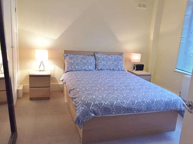 Great Location - 2 Bedroom Private apartment - London - Apartemen