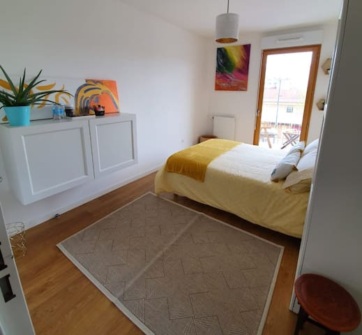 private room Asnieres. RER C 4mn/10 min to PARIS