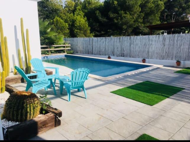 Espectacular chalet con piscina privada