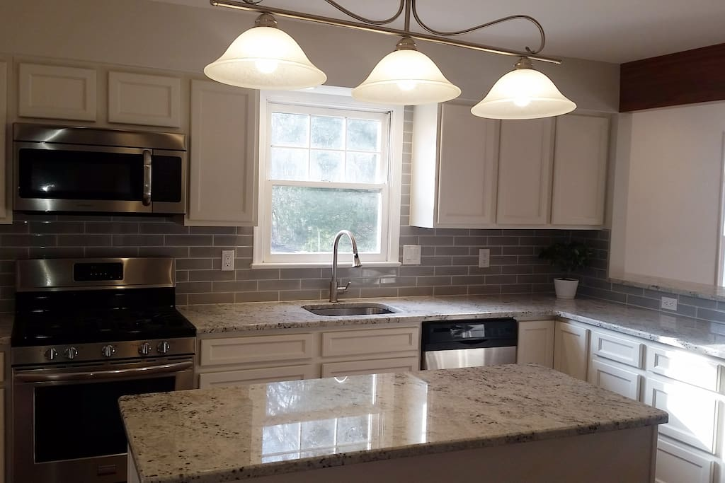 Gas stove & Granite Counters