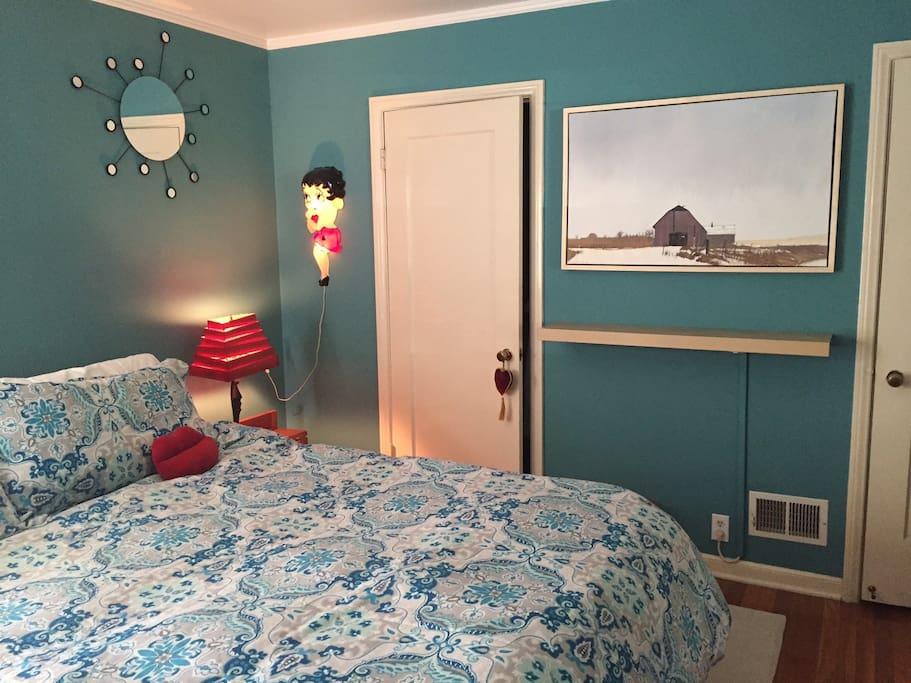 Good size room, insulating shades keep the room dark.