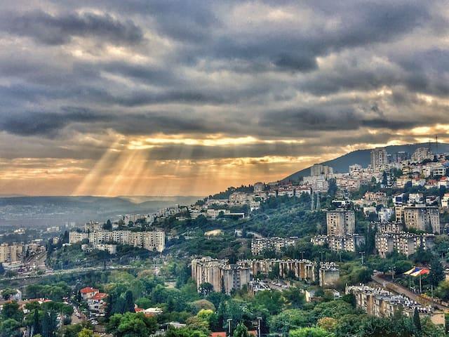 The View (2mins to the Technion 12 to Haifa Uni)