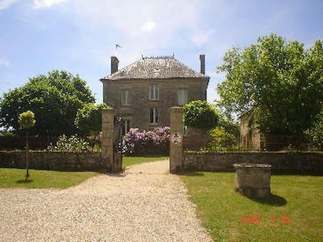 Clamensac Manor, Correze, Limousin - Saint-Julien-aux-Bois - House