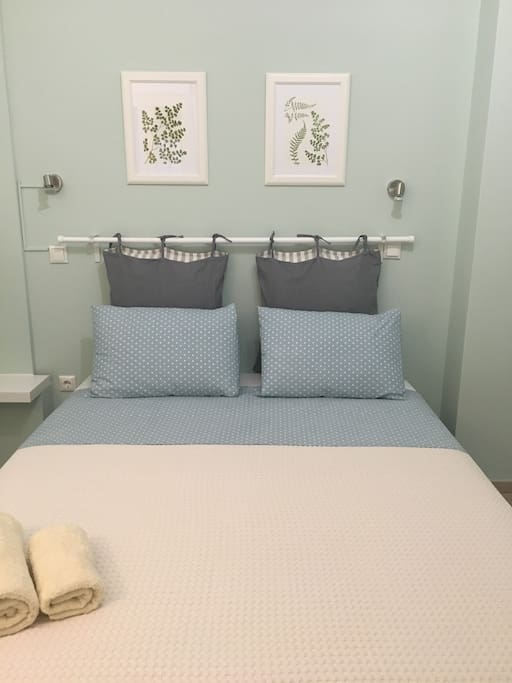 The queen size bed