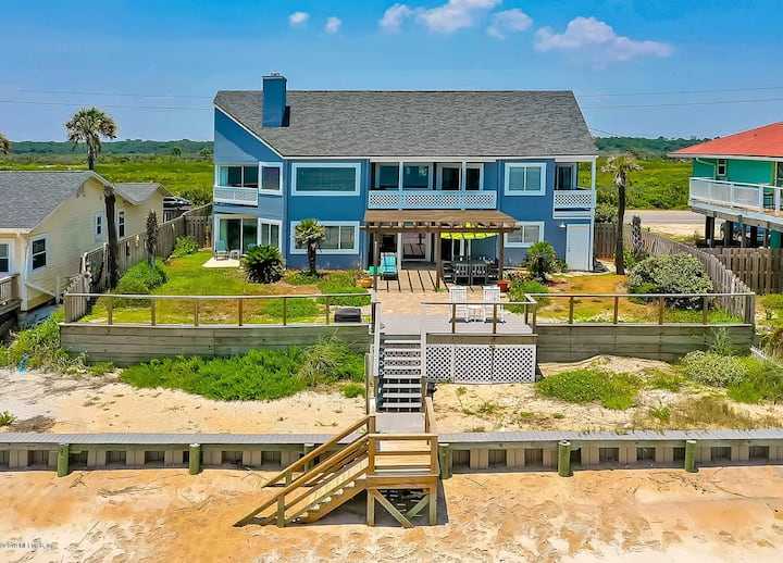 Spectacular Ocean Front Home with 3 King Suites