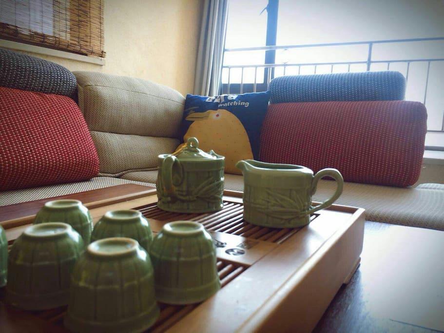 漂亮的茶具泡出来的茶很好喝呢