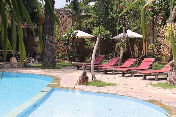 View pool 3