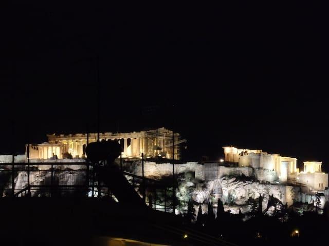 Acropolis-Keramikos View - Top Floor Studio - Athina - Huis