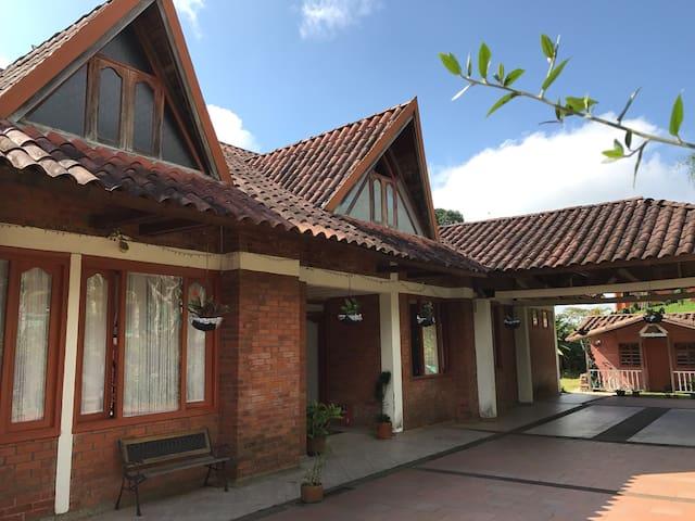 Hermosa casa campestre en Circasia-Quindío Salento