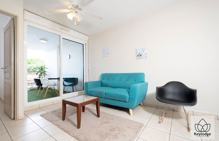 T2 Cocooning 37m² - Renovated - 5'from the airport