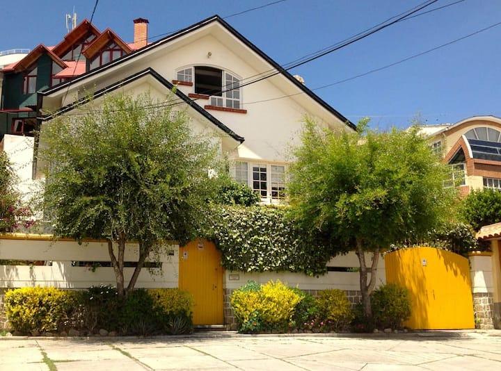 Beautiful Home in Bohemian Neighborhood, Sopocachi