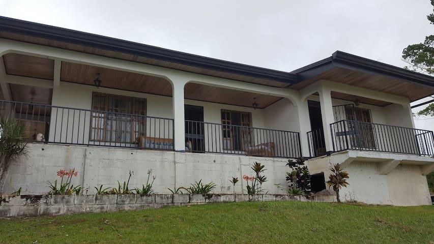 Casa de Campo Turrialba.