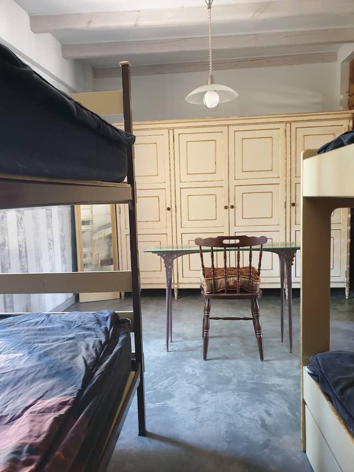 Habitación compartida-cama 3