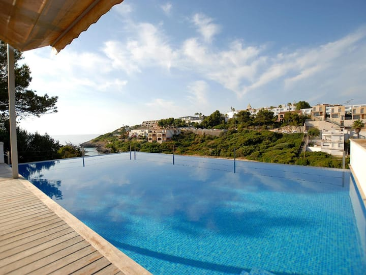 Mandia Playa, Holiday Villa sea views in Cala Mandia, Majorca