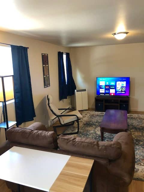 Quiet two bedroom apartment, Waiting for you!