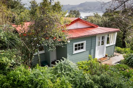 Orchard Cottage, Diamond Harbour