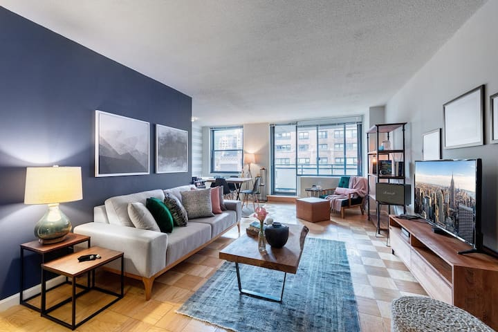 Spacious Midtown East 1BR w/ Balcony, Gym, Doorman by Blueground