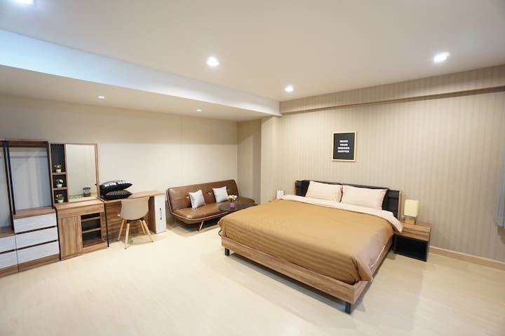 Best and cheap private room near Khaosan ! 409