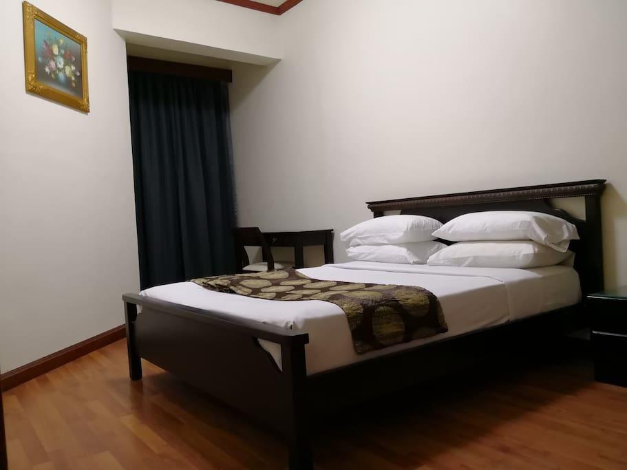 Master Bedroom with Sliding door
