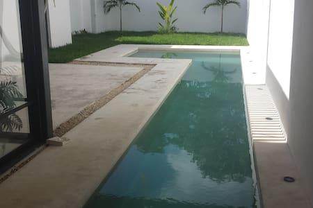 Gran Modern Mayan Villa - Merida - House