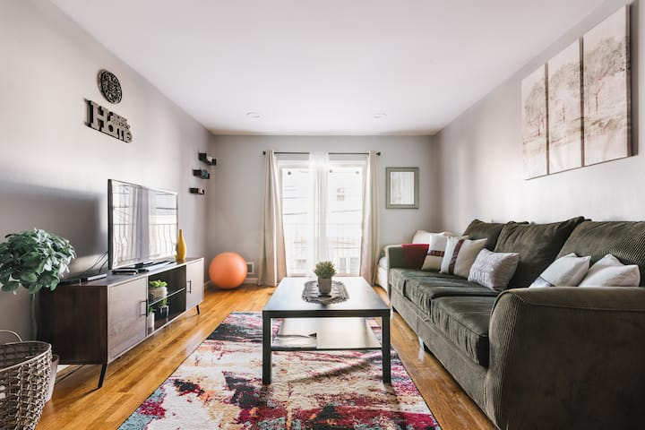 Boho City Chic 3BR 2BA Near NYC (2 free parking)