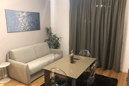Bellissimo appartamento + posto auto - Mecenate
