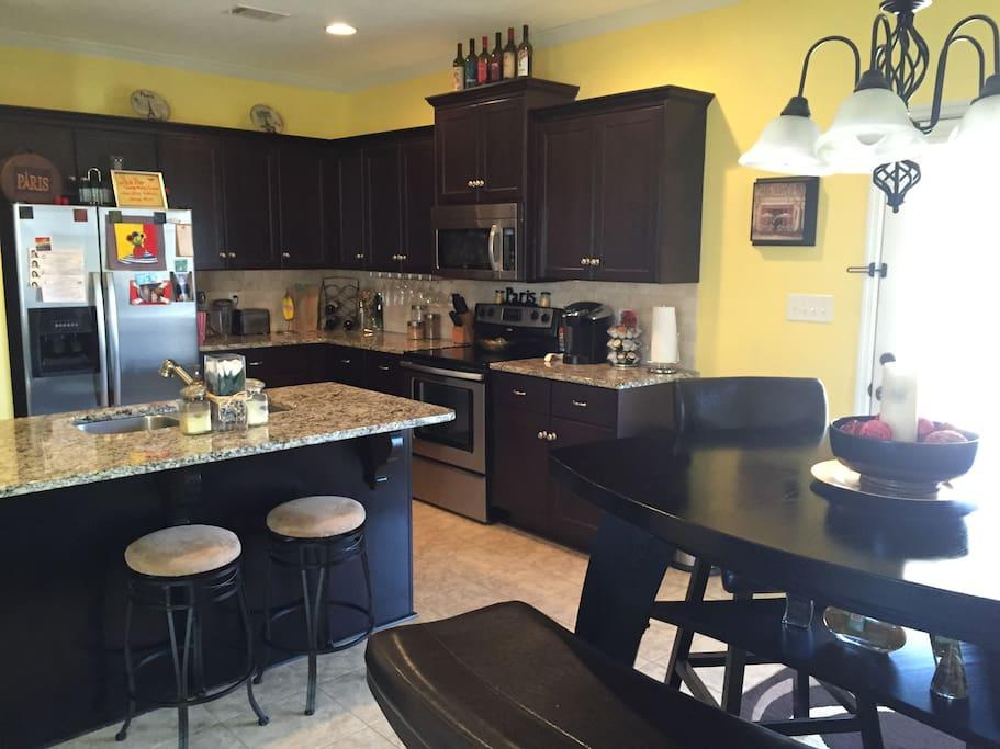 kitchen with kurage