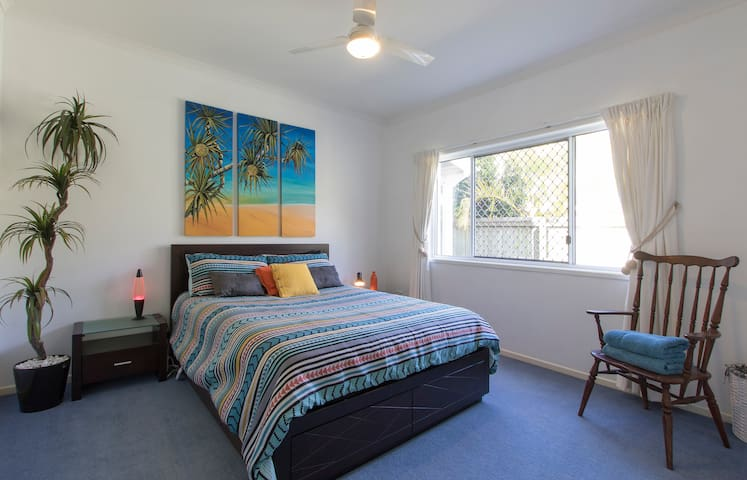 Sanctuary by the Sea in Pelican - Pelican Waters - House