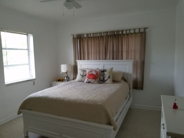 Old Charm Beach House 1/1 Apartment - Boca Raton - Leilighet