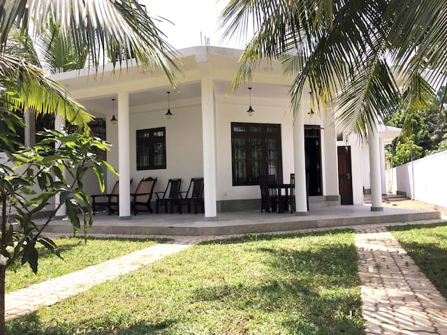 Avendra Holiday Inn River Place #2 -Weligama