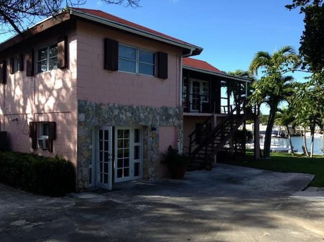 Butterfly Haven - Marsh Harbour - House