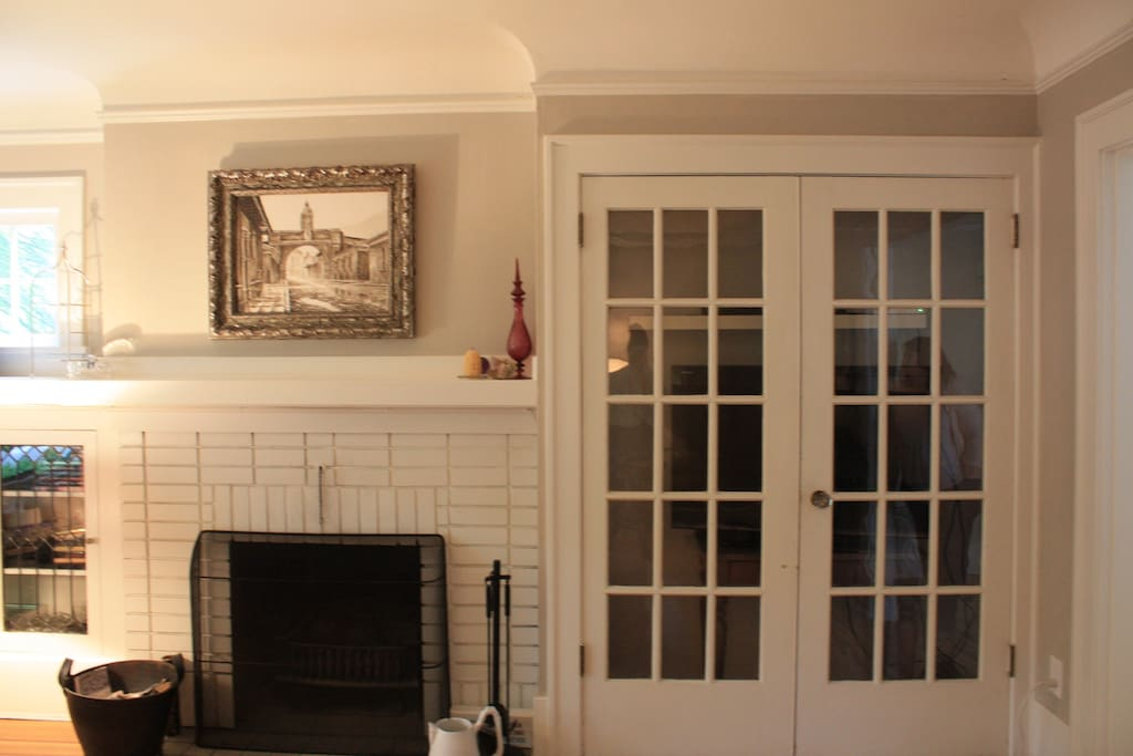 TV Cupboard (closed) + Fireplace