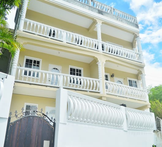 ONE BEDROOM RIGHT IN KINGSTOWN LUXURY WITH A/C.